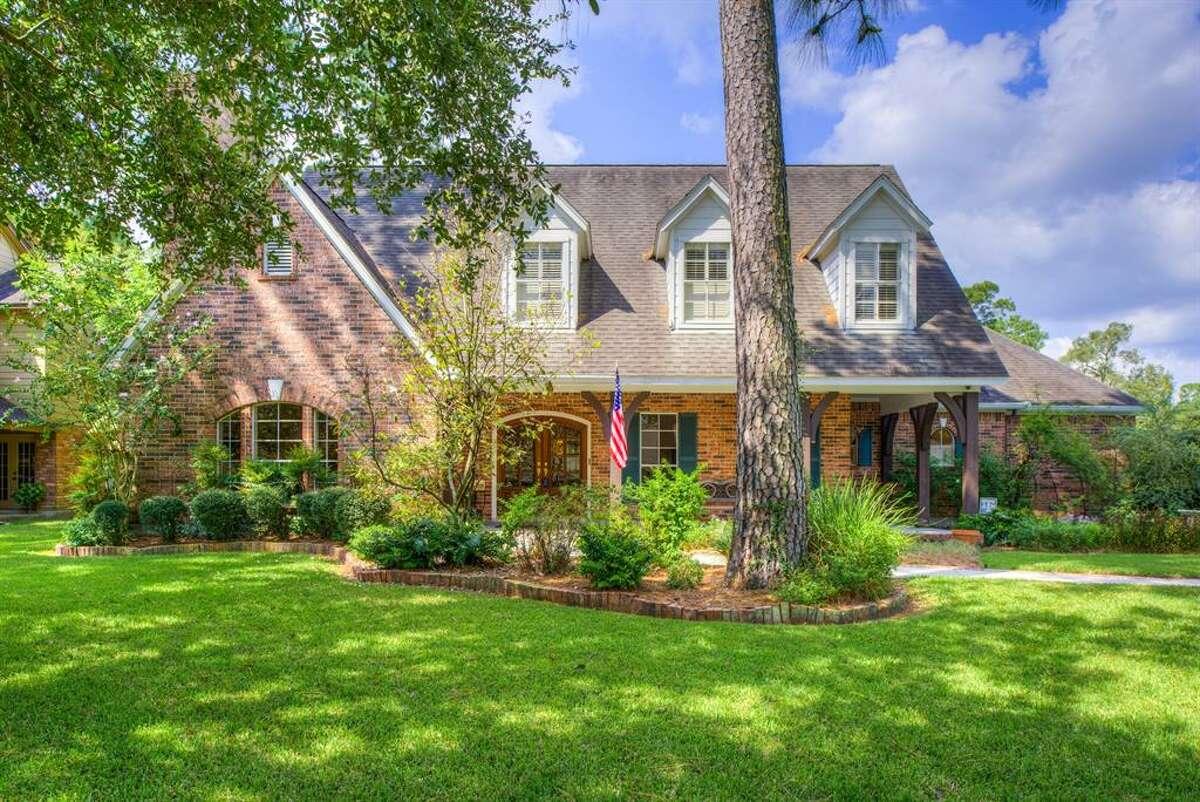 Kingwood - Chestnut RidgeExample listing: 1203 Chestnut Ridge Road$397,9004 bedrooms, 3 bathroomsSee the listing at HAR.com