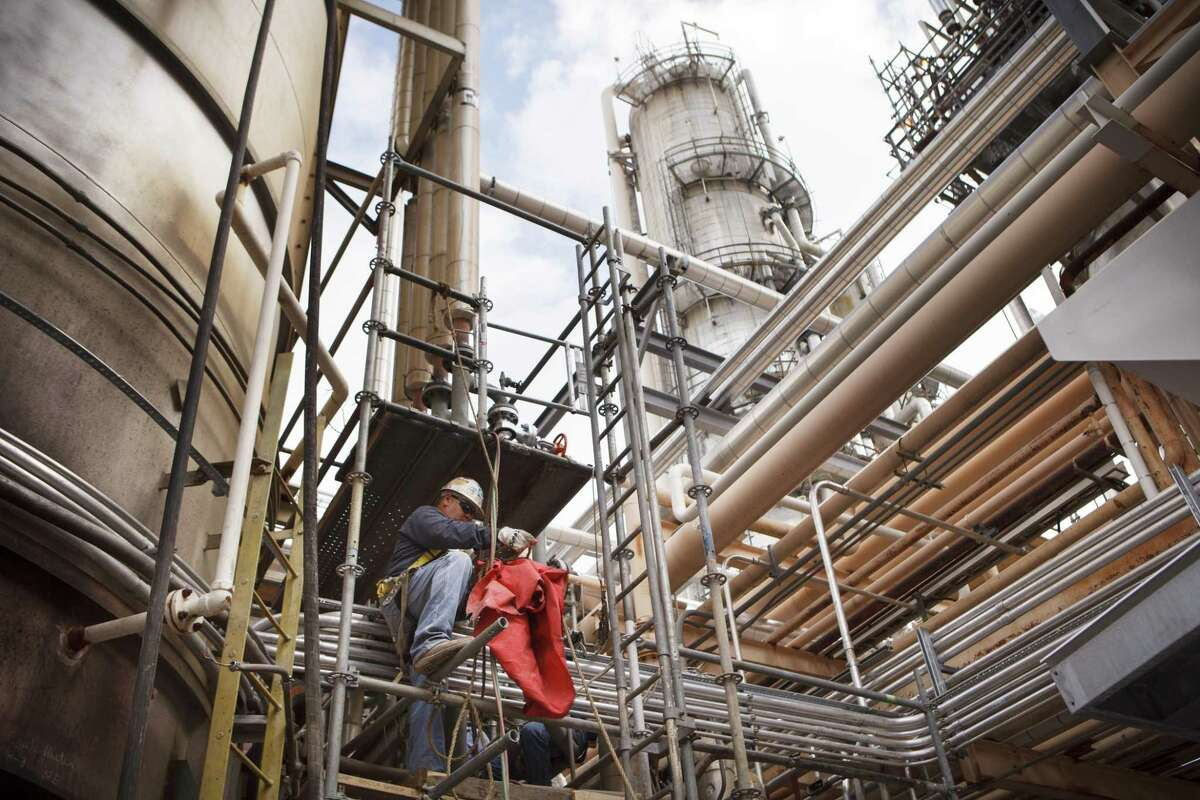 Valero will export fuel into northern Mexico from its Three Rivers refinery (pictured) and Corpus Christi refinery complex.