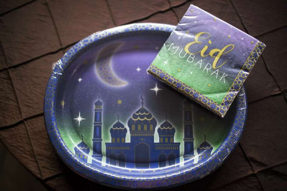 Eid decorative plates sold at Party City, purchased by Asma Malik. Thursday, May 10, 2018, in Houston. Photo: Marie D. De Jesus, Houston Chronicle / Houston Chronicle / © 2018 Houston Chronicle