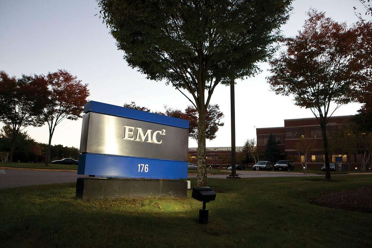 HOPKINTON, MA - OCTOBER 12: An exterior view of EMC Corporation world headquarters on October 12, 2015, in Hopkinton, Massachusetts. In the biggest tech merger in history, Dell announced that it has agreed to buy corporate software, storage and security giant EMC for $67 billion. (Photo by Kayana Szymczak/Getty Images)