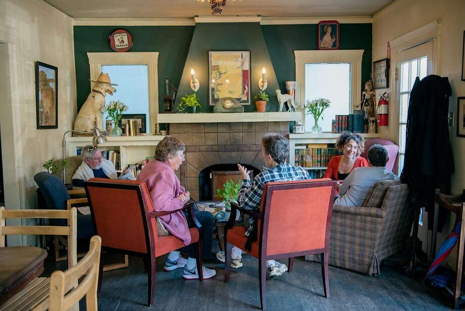 The front room at Schmidt's Pub in Albany. Photo: Rosa Furneaux / Special To The Chronicle