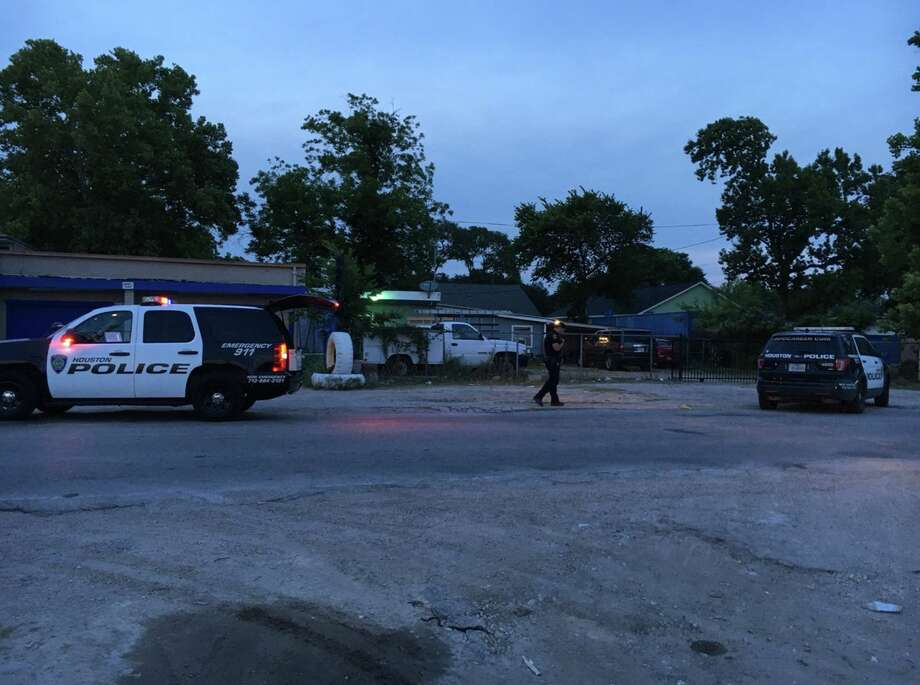 Houston police are investigating a shooting in inthe 2800 block of Laura Koppe Road in northeast Houston on Tuesday, May 15, 2018. Photo: Houston Police Department