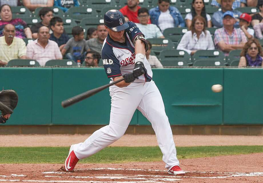 Tecolotes designated hitter Balbino Fuenmayor had a home run Tuesday, one of two in a five-run third inning. But the Tecos were held scoreless the rest of the way in a 6-5 defeat. Photo: Danny Zaragoza / Laredo Morning Times