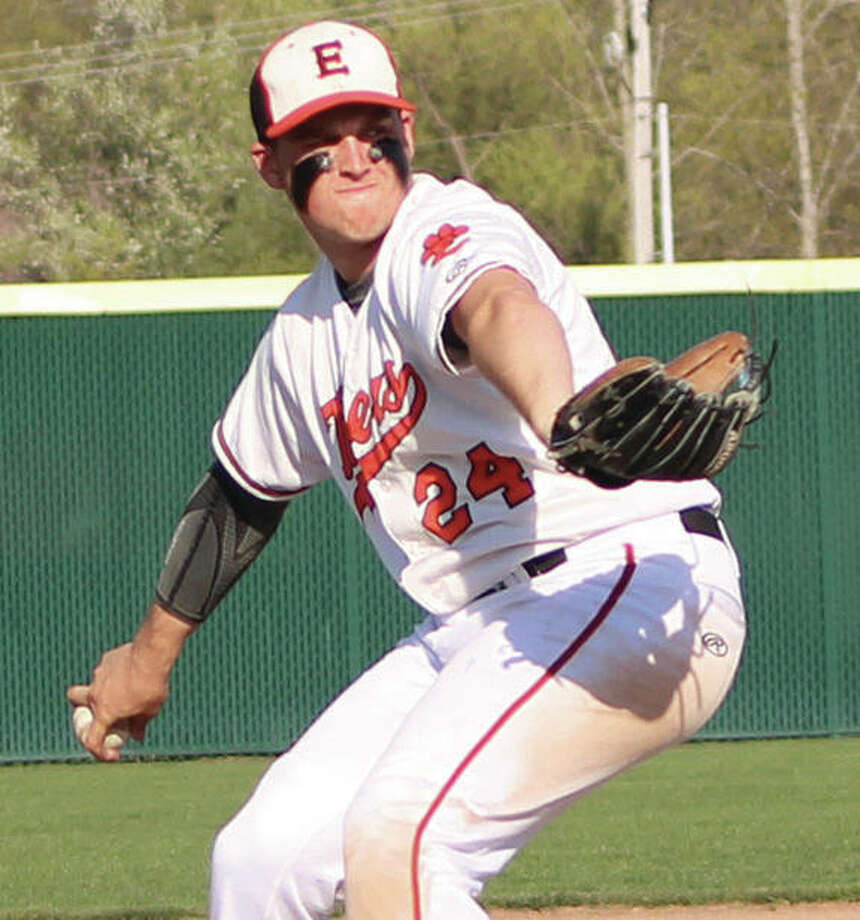 Edwardsville pitcher Reid Hendrickson, shown throwing earlier this season, shut out O'Fallon on two hits over six innings to earn the win Tuesday at Tom Pile Field in Edwardsville. Photo:       Greg Shashack / The Telegraph