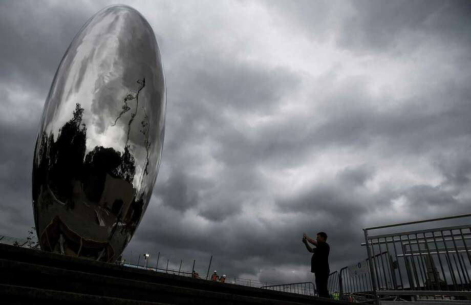 "Anish Kapoor's 30-foot-tall ""Cloud Column"" sculpture will officially ""open"" to the public this week. Photo: Michael Ciaglo, Houston Chronicle / Houston Chronicle / Michael Ciaglo"