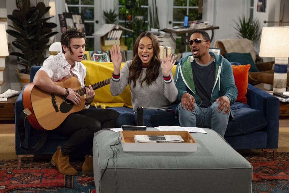 "Felix Mallard, Amber Stevens West and Damon Wayans Jr. in sitcom ""Happy Together,"" inspired by the life of Harry Styles. Photo: Cliff Lipson - CBS. / The Washington Post"