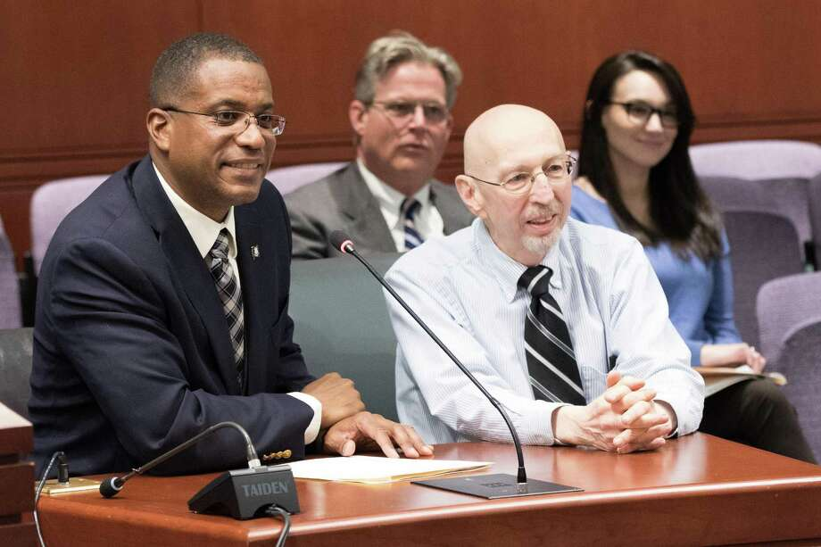 Herb Kolodny of Hamden, co-founder of the Connecticut Amputee Network, seated with Sen. George Logan, R-Ansonia, during testimony for a bill that addresses insurance parity for high-tech prosthetic limbs. Photo: Contributed Photo / Sen. George Logan Staff / ALL RIGHTS RESERVED