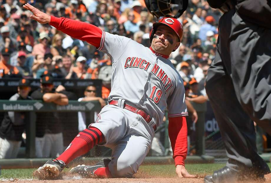 Cincinnati's Joey Votto, who scores against the Giants on Wednesday, had an apology for his Canadian brethren. Photo: Thearon W. Henderson / Getty Images