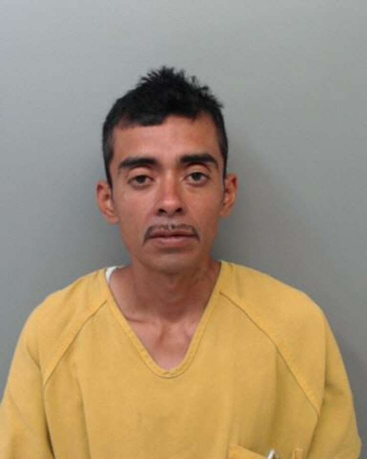 Reymundo Hernandez, 34, was charged with robbery. Photo: Webb County Sheriff's Office