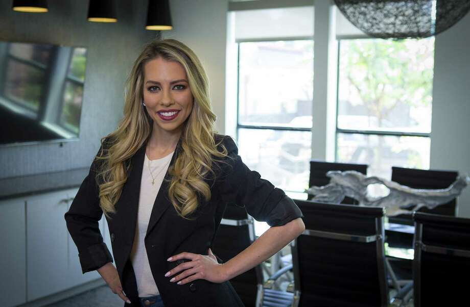 "Sportscaster Lindsay McCormick, a native Houstonian, is working on a new series called ""Elevator Pitch."" Photographed Thursday, May 10, 2018, in Houston. ( Mark Mulligan / Houston Chronicle ) Photo: Mark Mulligan, Houston Chronicle / Houston Chronicle / © 2018 Houston Chronicle"