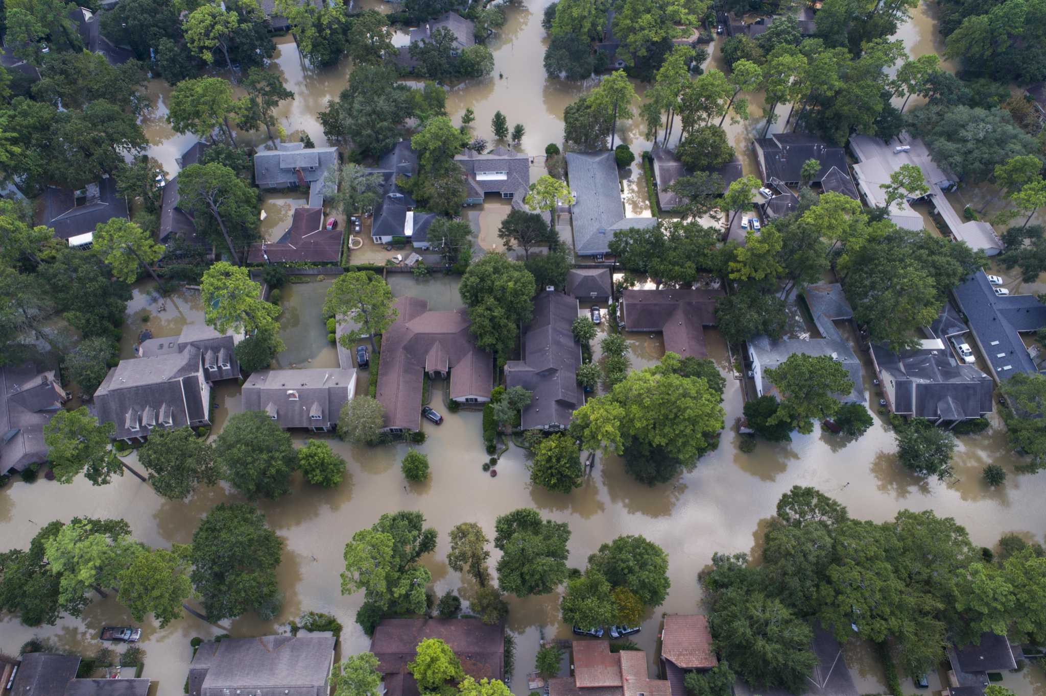 Abbott criticizes Houston's Harvey response