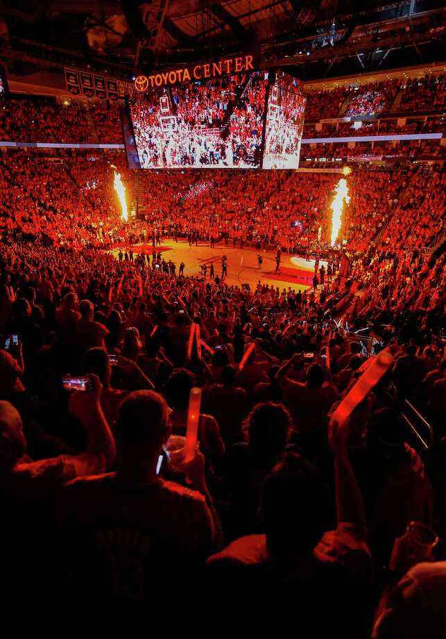 Fans cheer during introductions before the start of Game 2 of the Western Conference Finals at the Toyota Center, Wednesday, May 16, 2018, in Houston. Photo: Karen Warren, Houston Chronicle / © 2018 Houston Chronicle