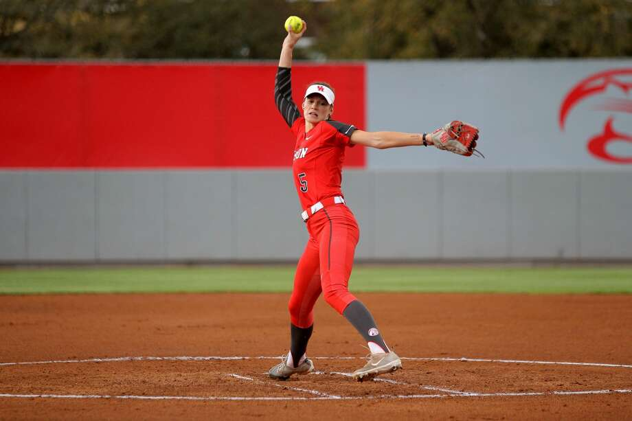 PHOTOS: Texas universities ranked by 2019 report of best schools in the nation  The Cougars return a lineup that features five all-conference players from last season, led by All-American right-hander Savannah Heebner. >>>Browse through the photos for a look at Wallet Hub's 2019 report of best colleges and universities puts some Houston-area schools at the top of the list ...  Photo: Contributed Photo By UH/Erik Williams