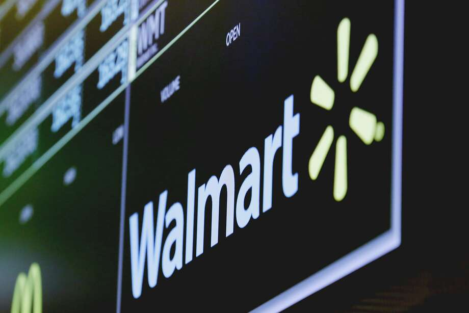 Walmart is reporting better-than-expected profit and revenue for the first quarter with rebounding online sales. Photo: Richard Drew / Associated Press