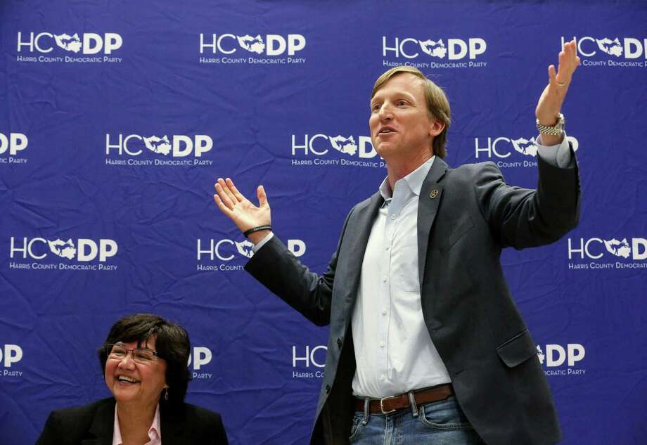 Gubernatorial Candidates Andrew White, right, and Lupe Valdez laugh at an comment from the audience at a reception for Democratic run-off candidates,  Wednesday, April 25, 2018, in Houston.  ( Jon Shapley / Houston Chronicle ) Photo: Jon Shapley, Houston Chronicle / Houston Chronicle / © 2018 Houston Chronicle