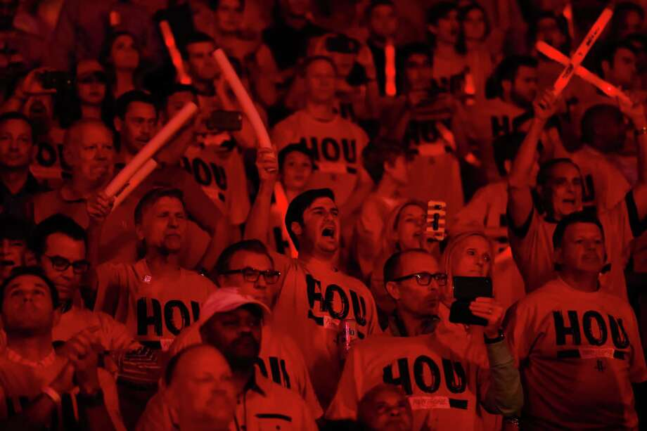 Fans cheer before the start of Game 2 of the Western Conference Finals at the Toyota Center, Wednesday, May 16, 2018, in Houston. ( Michael Ciaglo  / Houston Chronicle ) Photo: Michael Ciaglo, Staff / Houston Chronicle / © 2018 Houston Chronicle