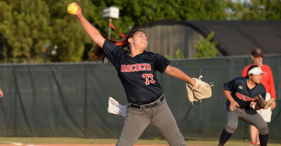 Jenika Lombrana (73) of Atascocita delivers a pitch during the first inning of a 6A-III regional semi-final playoff game between the Bellaire Cardinals and the Atascocita Eagles on Thursday May 17, 2018 at the Butler Sports Complex, Houston, TX. Photo: Craig Moseley/Houston Chronicle