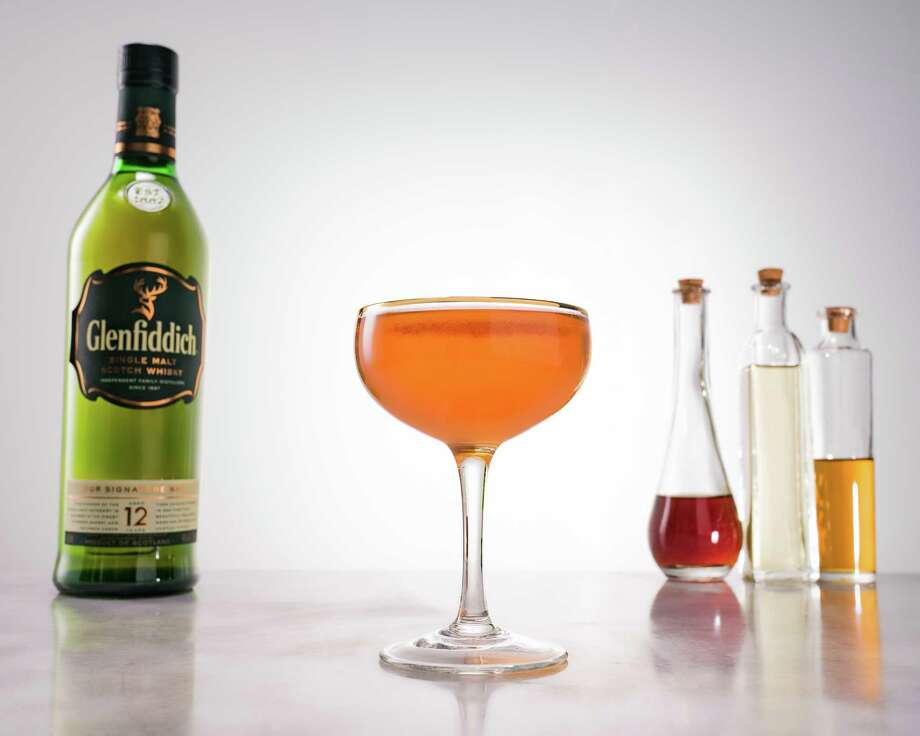 Glenfiddich Royal Highlander2 parts Glenfiddich 12½ part sweet vermouth ½ part Cocchi Americano (aperitif wine)Benedictine rinseSparkling wine, to top Instructions: Pour ½ ounce of Benedictine in a coupe, swirl and discard.Add remaining ingredients except the sparkling wine to a mixing glass and stir with ice.  Strain into the Benedictine rinsed coup.Top with approximately an ounce of dry or off-dry sparkling wine. Photo: Glenfiddich / alain hain