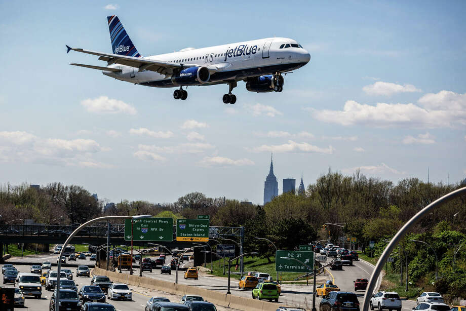 jetblue names new president as ceo shifts to long