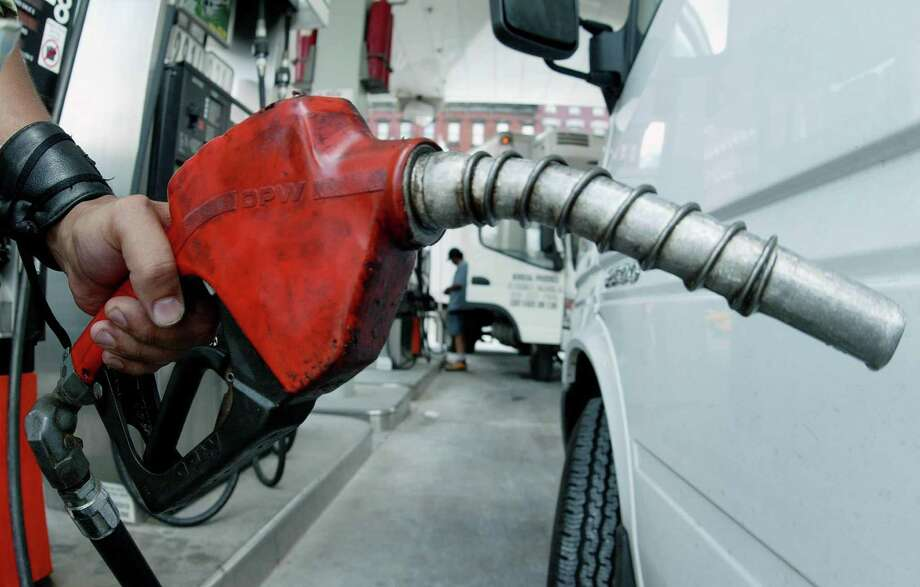 Fill your tank. Photo: TEDDY BLACKBURN / REUTERS / REUTERS