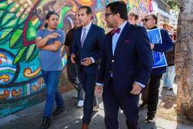 Antonio Villaraigosa rallies Mission District voters in S.F.