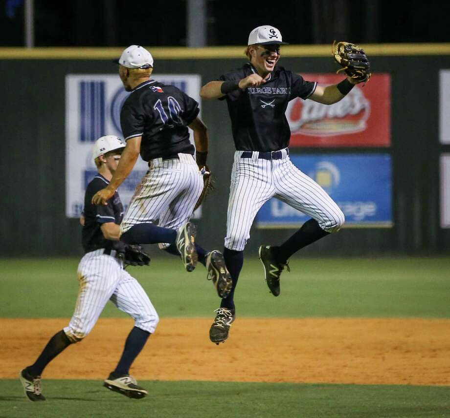 College Park Cavaliers celebrate after winning the baseball game against Oak Ridge on Friday, May 18, 2018, at Oak Ridge High School. (Michael Minasi / Houston Chronicle) Photo: Michael Minasi, Staff Photographer / Houston Chronicle / © 2018 Houston Chronicle