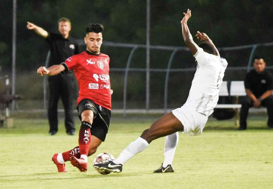 The Laredo Heat (1-0) play at Midland-Odessa Sockers FC (1-1) on Thursday night at 7:30 p.m. Photo: Danny Zaragoza /Laredo Morning Times File