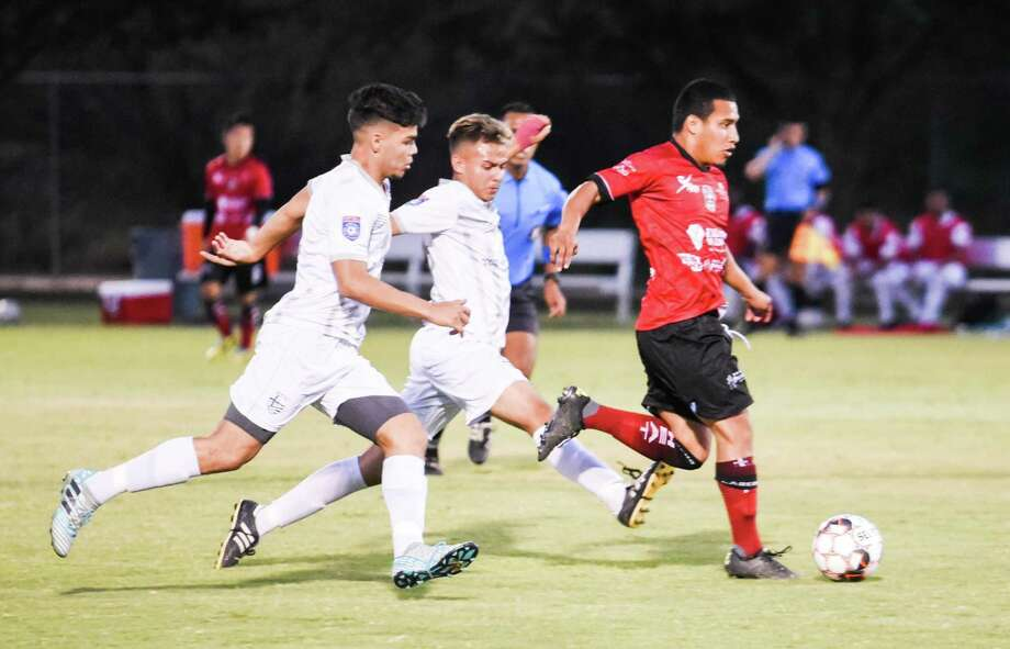 The first-place Laredo Heat (4-0) square off with Houston Dutch Lions FC (3-1) on Wednesday night at TAMIU's Dustdevil Field. Photo: Danny Zaragoza /Laredo Morning Times File