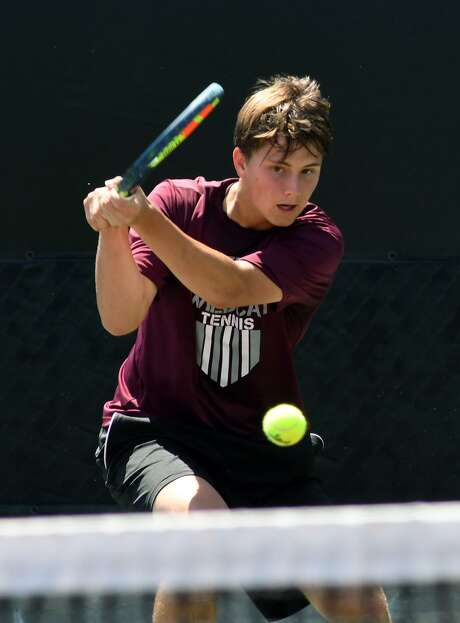 Clear Creek's Carter Crookston won the Region III-6A boys' singles title Thursday in Deer Park to advance to the state tournament.