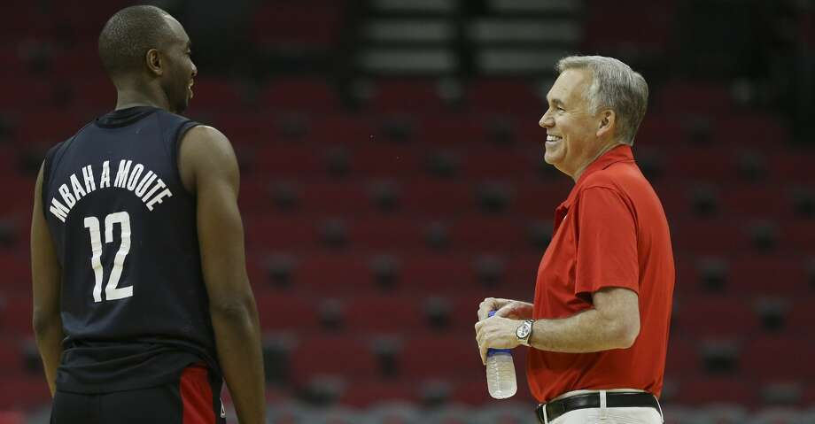 Houston Rockets' Luc Mbah a Moute and head coach Mike D'Antoni talke during practice at Toyota Center before they take off to Oakland on Friday, May 18, 2018, in Houston. ( Yi-Chin Lee / Houston Chronicle ) Photo: Yi-Chin Lee/Houston Chronicle
