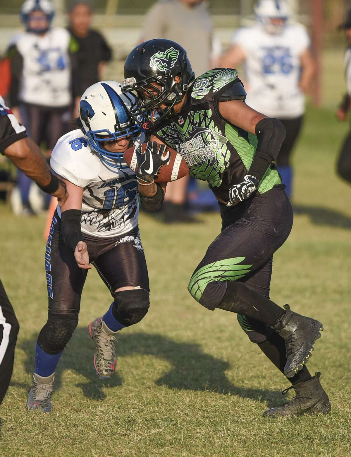 The Laredo Phantasy (1-2) fell for a second straight game with a 45-20 loss to the Weslaco Jaguars (3-0) Saturday night at Slaughter Park.