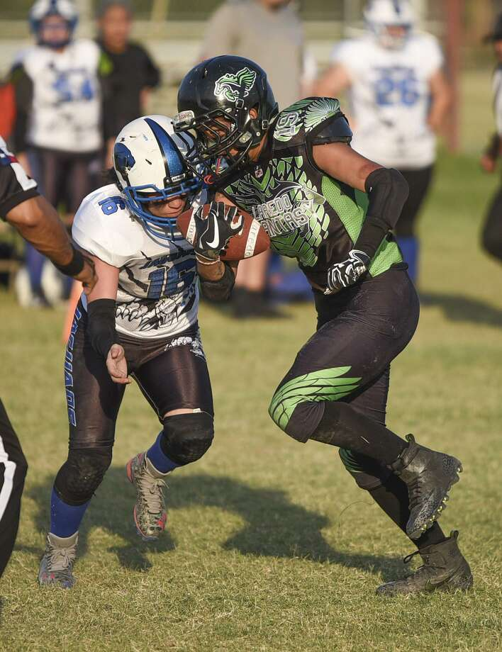 The Laredo Phantasy (1-2) fell for a second straight game with a 45-20 loss to the Weslaco Jaguars (3-0) Saturday night at Slaughter Park. Photo: Danny Zaragoza /Laredo Morning Times