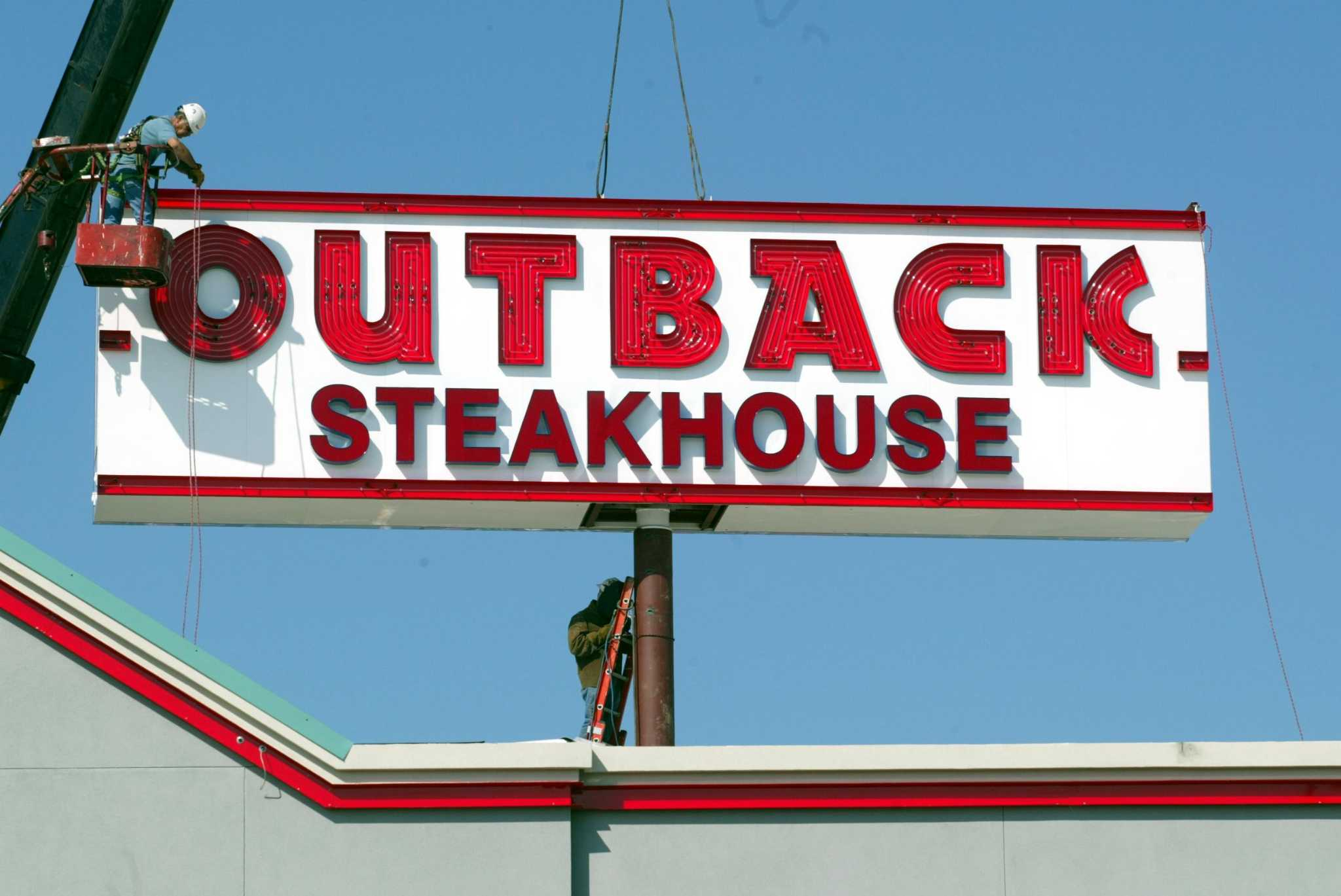 Outback steakhouse open christmas day
