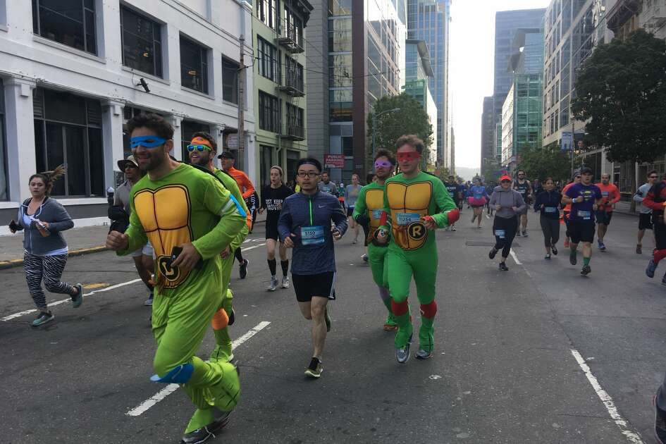 Runners at the start of the 2018 Bay to Breakers race in San Francisco on May 20, 2018.