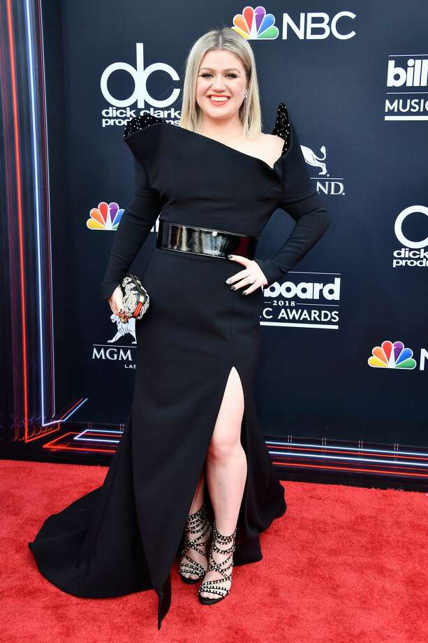Best: Bowing down to Kelly Clarkson. She's looking better than ever.  Photo: Frazer Harrison/Getty Images
