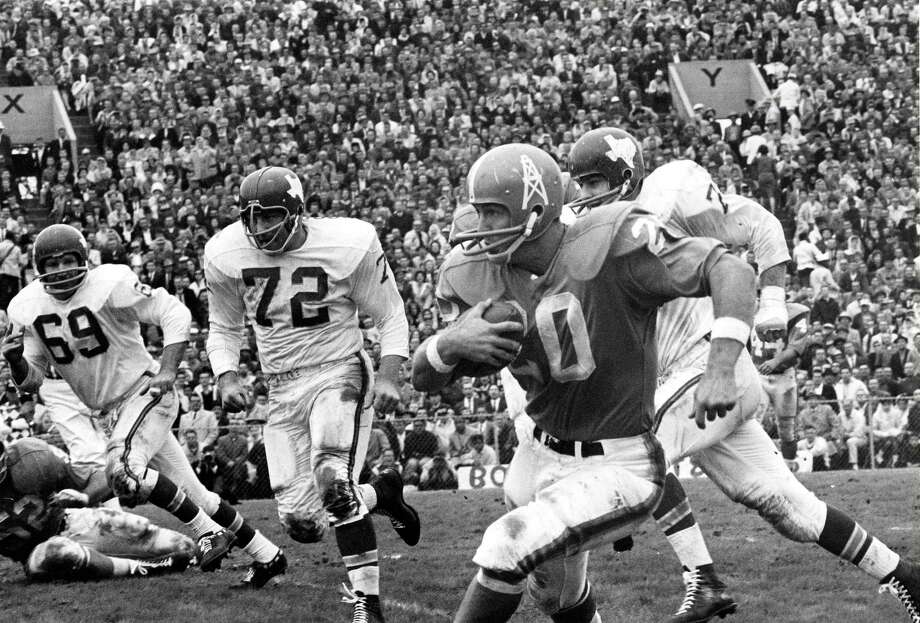 Running back Billy Cannon signed with the Oilers in November 1959 after playing at LSU. Photo: NFL, CTR / ASSOCIATED PRESS / AP2009