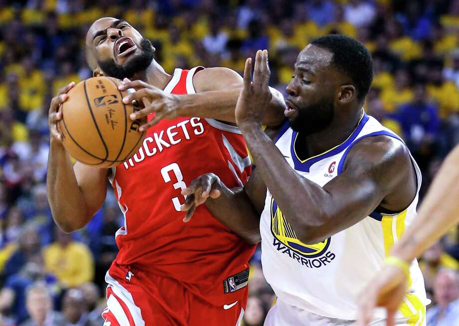 Draymond Green and the Warriors helped make Chris Paul an offensive non-factor while Game 3 was still in doubt. Photo: Michael Ciaglo, Houston Chronicle / Michael Ciaglo