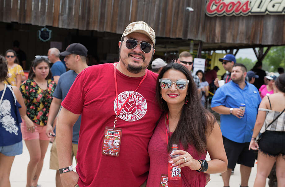 San Antonians indulged on a classic Alamo City matchup at the Big Red and Barbacoa Fest on Sunday, May 20, 2018. Photo: B. Kay Richter, For MySA.com