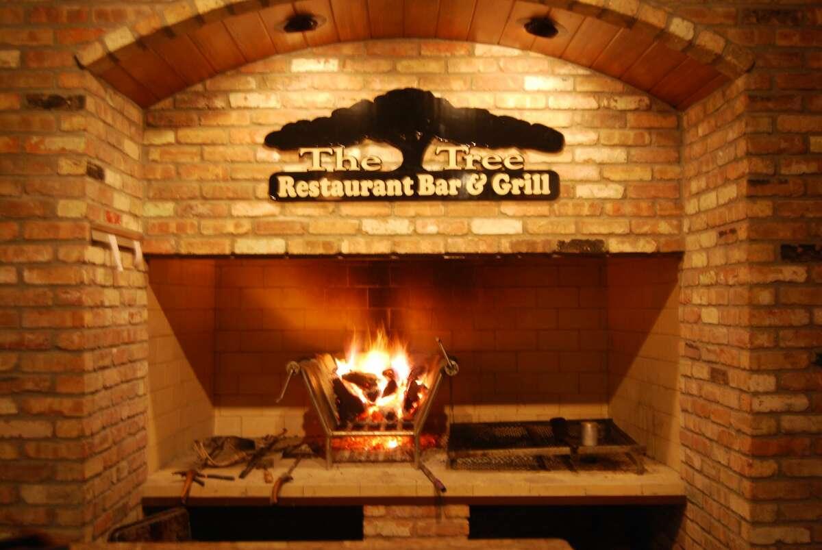 The Tree Restaurant Bar and Grill,Lumberton