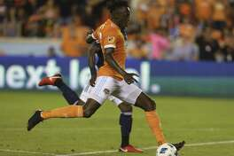 Houston Dynamo forward Alberth Elis, in a game earlier this season against New England, scored twice in the team's win over Chicago on Sunday.