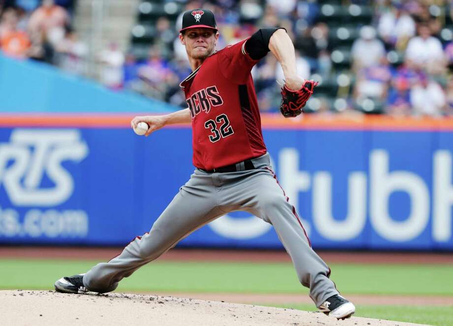 Arizona Diamondbacks' Clay Buchholz delivers a pitch during the first inning of a baseball game against the New York Mets, Sunday, May 20, 2018, in New York. (AP Photo/Frank Franklin II) Photo: Frank Franklin II, Associated Press / Copyright 2018 The Associated Press. All rights reserved.