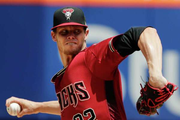Arizona Diamondbacks' Clay Buchholz delivers a pitch during the first inning of a baseball game against the New York Mets, Sunday, May 20, 2018, in New York. (AP Photo/Frank Franklin II)