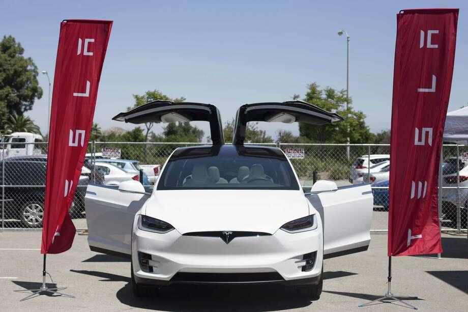 Consumer Reports: Tesla's Model 3 has 'big flaws' - New