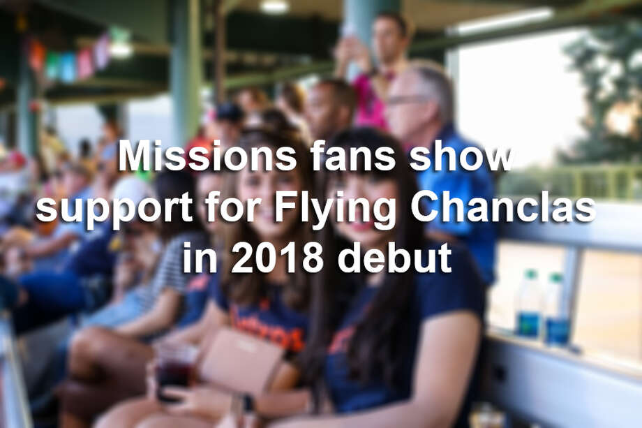 The San Antonio Missions made their debut as the Flying Chanclas at their May 5, 2018, home game versus the Corpus Christi Raspas — or Corpus Christi Hooks. Photo: Stacey Lovett, For MySA.com
