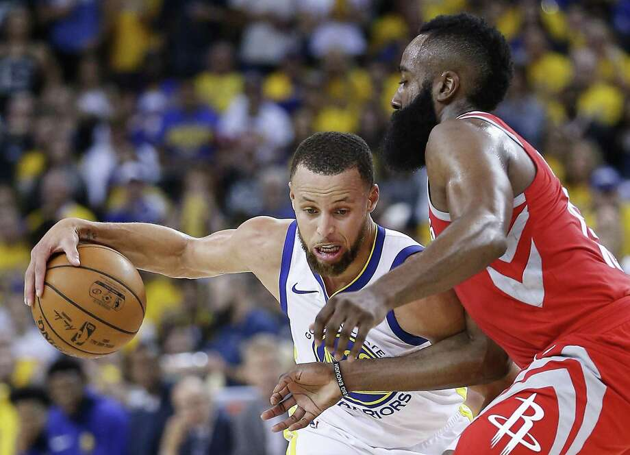 Golden State Warriors guard Stephen Curry (30) works against Houston Rockets guard James Harden (13) during the second half of Game 3 of the Western Conference Finals at Oracle Arena Sunday, May 20, 2018 inOakland. (Michael Ciaglo / Houston Chronicle) Photo: Michael Ciaglo, Houston Chronicle / Houston Chronicle / Michael Ciaglo