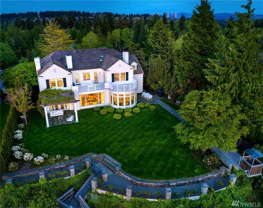 2403 Evergreen Point Rd., listed for $21,500,000. See the full listing below. Photo: Matthew Gallant/Clarity Northwest