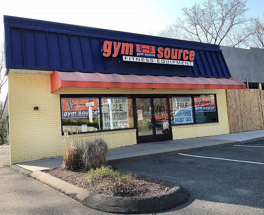 15 Federal Road: Following a brief 'store closing' sale, Gym Source has closed the doors at its Brookfield location.  Photo: Chris Bosak / Hearst Connecticut Media / The News-Times