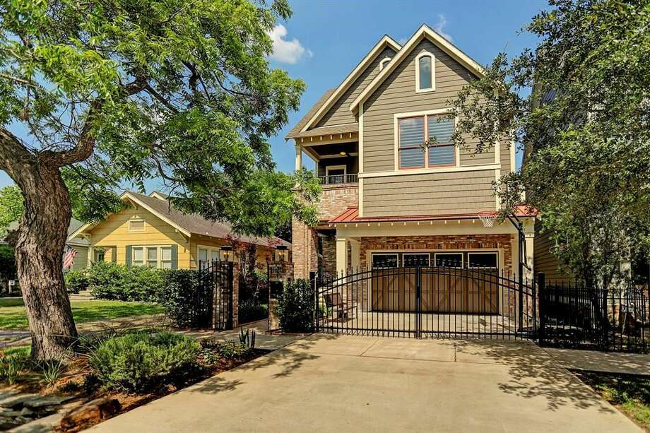 A picture of a three-bedroom house in the Heights listed listed on Zillow. Zillow has teamed up with the D.C. attorney general to make it more difficult for landlords to discriminate against renters who receive housing assistance. Such discrimination is protected in Texas.