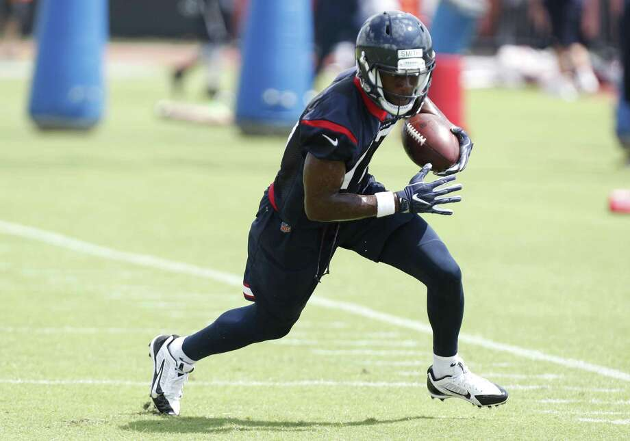 Texans rookie receiver Vyncint Smith (17) was among the wideouts making impressive catches during Tuesday's organized team activity at the Methodist Training Center. Photo: Brett Coomer, Staff / Houston Chronicle / © 2018 Houston Chronicle