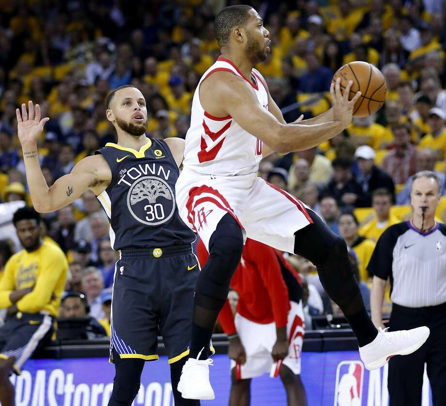 Eric Gordon was among only two reserves used by Rockets coach Mike D'Antoni in Tuesday's Game 4 win over the Warriors. Photo: Michael Ciaglo/Houston Chronicle